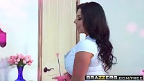 Brazzers - Mommy Got Boobs - Sheridan Love and Michael Vegas -  Fucked In A Breeze video