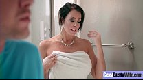 Sexy Housewife (Reagan Foxx) With Big Jugss Nai...