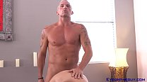 Marcus London Shows McKenzie a Thing or Two abo...