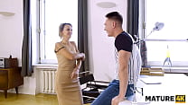 MATURE4K. Guy told he was IT master but in fact he just came to fuck mature