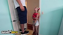 BANGBROS - Handyman J-Mac Stretches Piper Perri...
