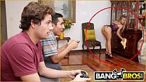 BANGBROS - Bathtime With MILF Stepmom Nicole Aniston & Tyler Nixon video
