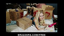 Slutty busty blonde Riley Evans trades her dildo in for hard dick [브라저스 brazzers site]