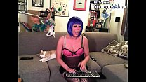 easy julia in free webcam porn chat do awesome on coach with la's Thumb