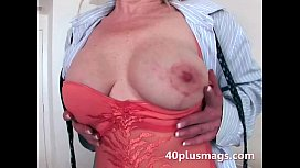 Mature mom teasing with her hot body