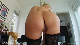 MILF mature hottie Angelina...