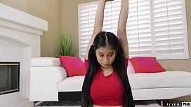 Flexible Teen Gets Her Sweet Pussy Penetrated