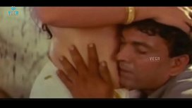 Young Indian Girl been seduced by a boy on bed