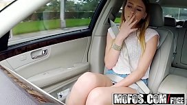Mofos - Stranded Teens - Natural...