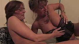 Sex between half-sisters already mature but with a great desire to enjoy