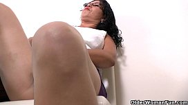 Latina milf Lucia has...