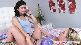 Bisexual Brooke Wylde and...