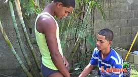 Exotic twink mates play...
