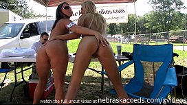 Nudes a poppin festival...