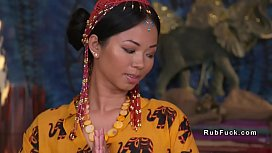Thai masseuse bangs her...