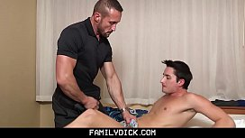 FamilyDick - Hot muscle daddy...