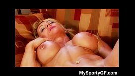 Muscle Babe Dildoing Herself...