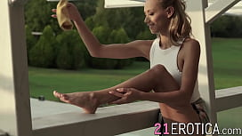 Stunning Veronica Leal spreads legs for foot fetishist