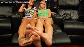 Sexy foot tease...