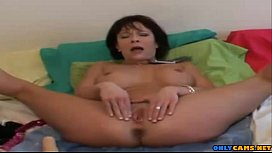 HOT mature squirting while on the phone with husband - onlycams.net