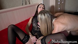 Lesbians Pussy Licking and Masturbate Sex Toys