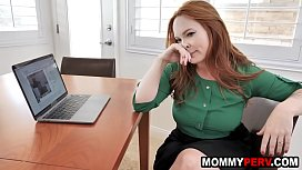 Redhead mom doesn'_t want step son to move out