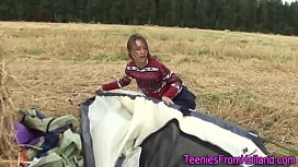 Camping teenager solo...