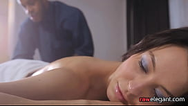 Massaged eurobabe gets her...