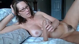 Milf squirts after fingering...