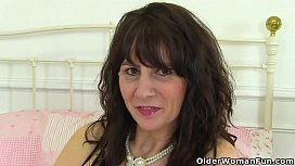 Scottish milf Toni Lace...