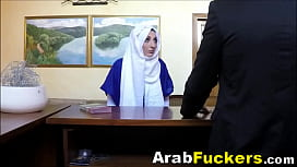 Poor Arabian Girl Pays For Motel With Her Mouth