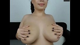 Huge tits babe pussy showing