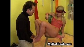 Marie Vesela gets herself blindfolded and ready fo