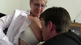 Free version - Mom wants cock and immediately takes the cock of her son and cousin to draft