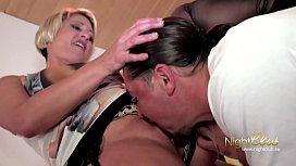 NIGHTCLUB - Blonde MILF fickt...