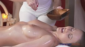 Massage Rooms Horny redhead...