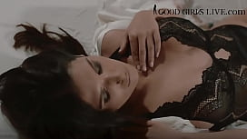 Silvia Eyrie, Touching me in my bed, can Cum www.goodgirlslive.com/es/chat/SilviaEyrie
