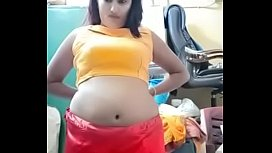 Swathi naidu exchanging saree by showing boobs,body parts and getting ready for shoot part-2