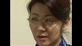 Beautiful japanese mom seduce...