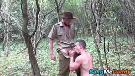 Two horny guys sucking...