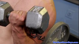 Amateur gym stud tugs...