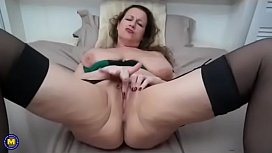 Amazing! Mature with big saggy tits and pussy!