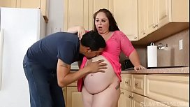 Preggo BBW Vanessa London...