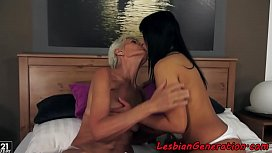 Grandmas hairypussy licked and fingered