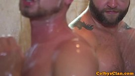 Rimmed twink rides bear...