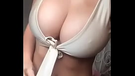 Perfect boobs. Big tits. Who is she? Name please! Quien es ella? Nombre!