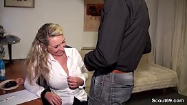 German Amateur MILF Seduce...