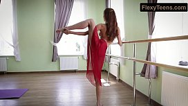 Horny gymnast Inessa in...