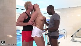 Nikki Dream enjoys interracial...
