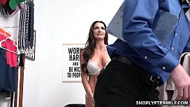 Afraid to be in jail Silvia agreed to pleasure Mike'_s throbbing cock
